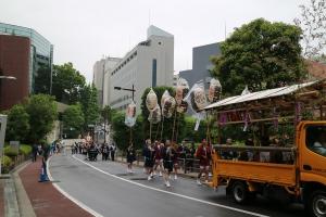 紀尾井町通りを後にして